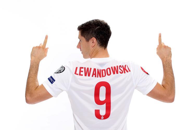 6c87734b9 Wygraj koszulkę z autografem Lewego! - Łączy nas piłka